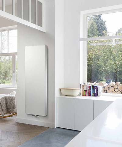 vasco flat v line radiator vlakke voorplaat verticaal keuken